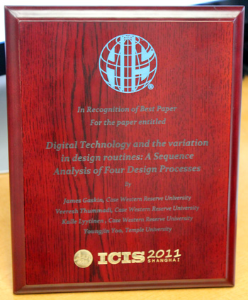 Youngjin Yoo Best Paper ICIS 2011