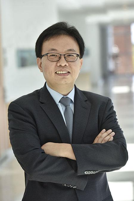 Min-Seok Pang